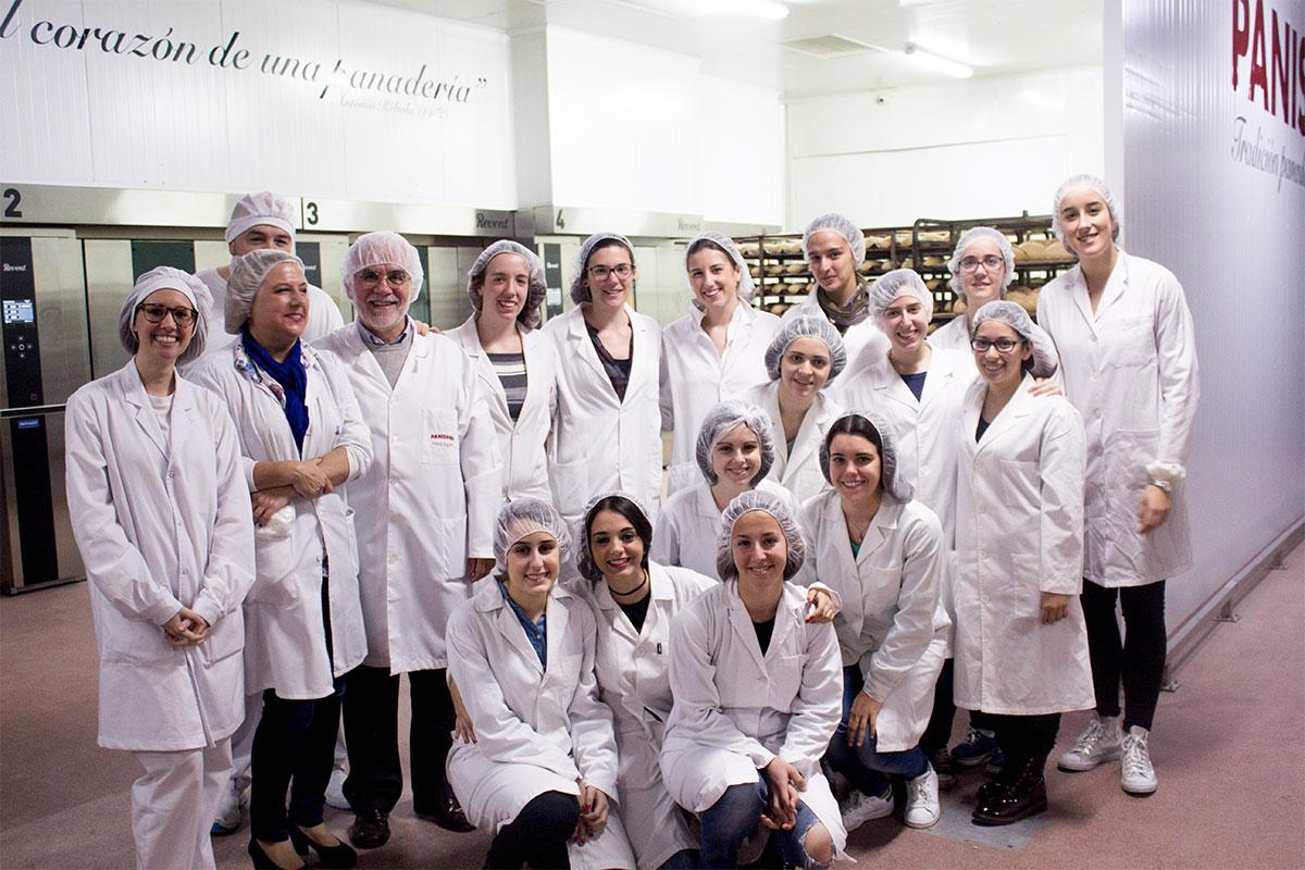 """Los alumnos de Veterinaria de la Universidad de Zaragoza aprenden a hacer """"Panes saludables"""""""